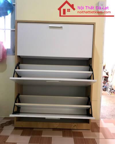 Mỗi ngăn tủ được chia làm 2 tăng diện tích sử dụng