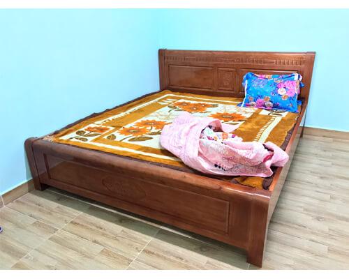 Giường ngủ 1m8 Đà Lạt