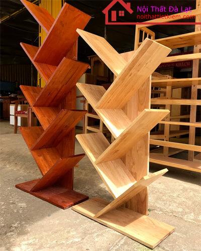 Giá sách xiên với 5 tầng và 6 tầng phù hợp với nhu cầu sử dụng