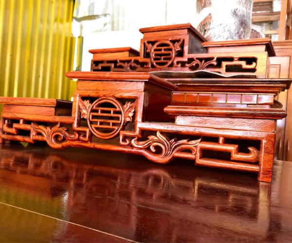 Tam cấp thờ gỗ hương