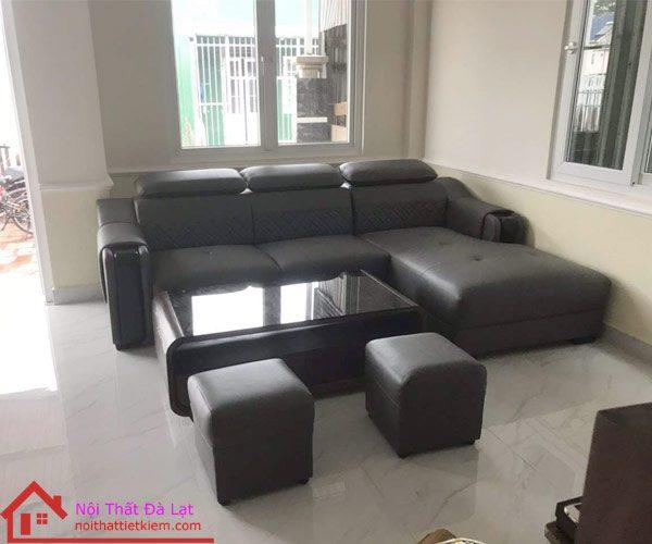 Bộ ghế sofa có 2 ghế đôn đi kèm